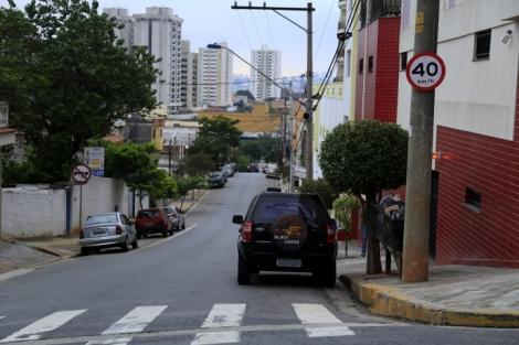 LIMITE DE VELOCIDADE NAS RUAS DO CENTRO É REDUZIDO PARA 40 KM/H