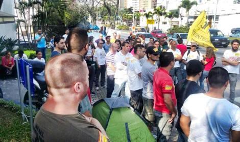 TERMINA ACAMPAMENTO DE DEMITIDOS DA GM